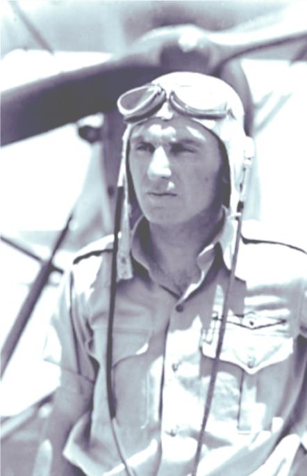 הטייס העברי הראשון, עמנואל צור